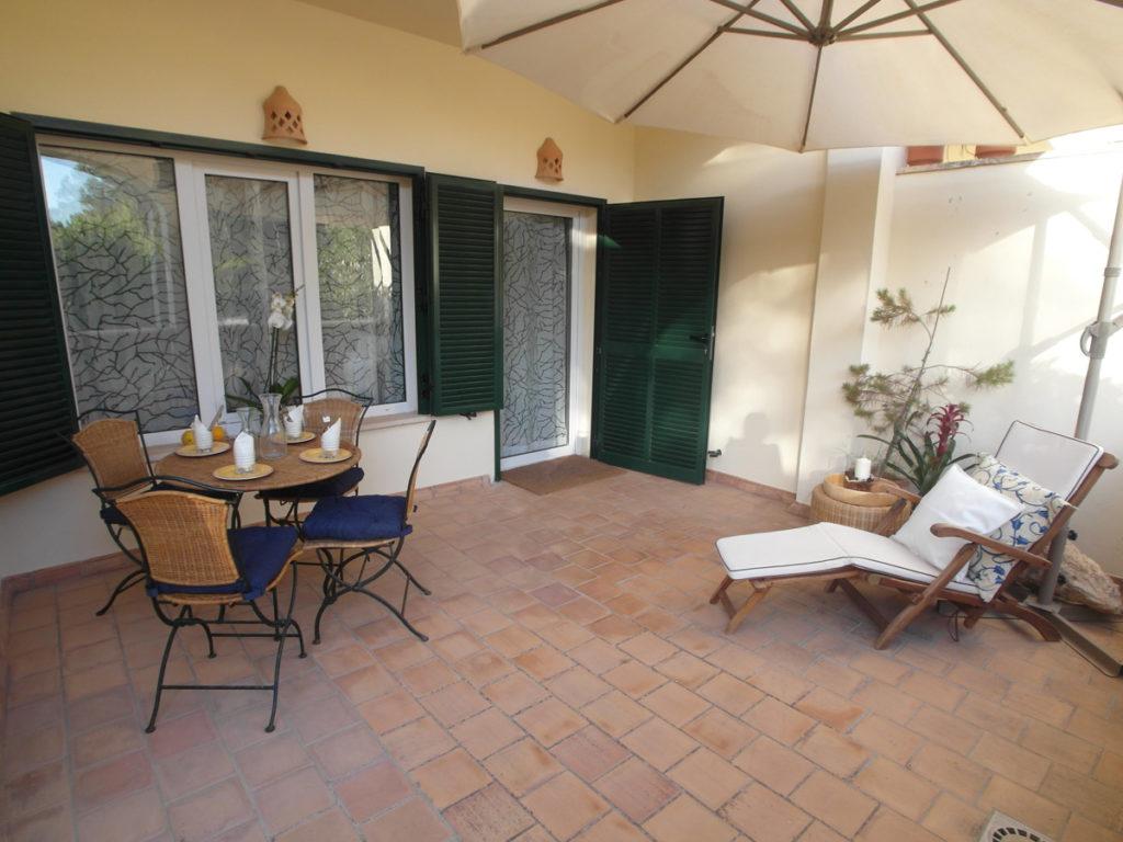 Homestaging in Ferienwohnung: Terrasse